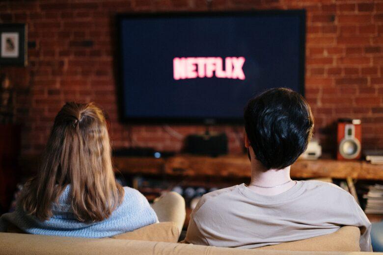 enjoy movie with girlfriend